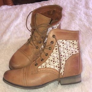 Steve Madden lace boots